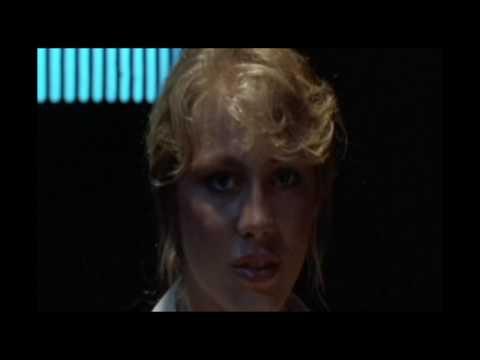 Terror no Espaço 1986. Dublado