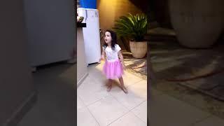 Minha neta  dançando  Laura fnc ptcv(1)