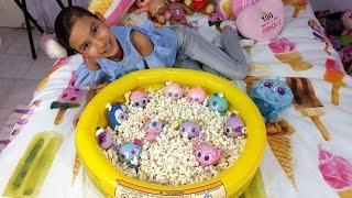KSI MERITOS fiesta en Alberca llena de Palomitas! Chivatita, Machincuepa Distroller toys!