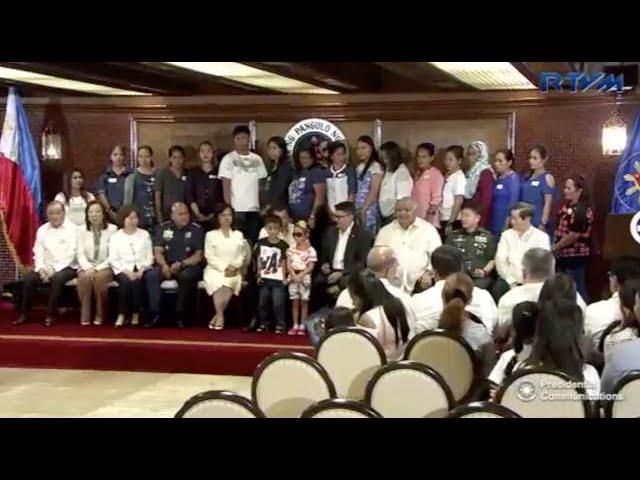 Duterte: Families of slain troopers, cops get extra P1M each