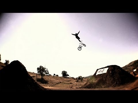 Dane Searls jumps the world s biggest BMX dirt jumps: Giants Of Dirt Part 3