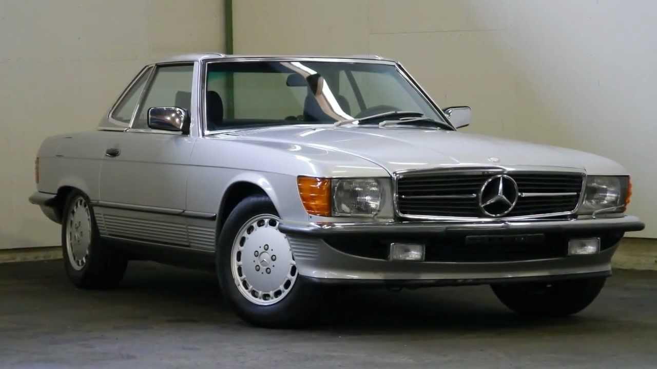 Mercedes Benz 420 SL Baureihe R107 von 1988 aus zweite