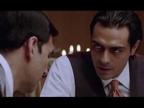 Akshay Kumar Gets Arjun Rampal's Leg