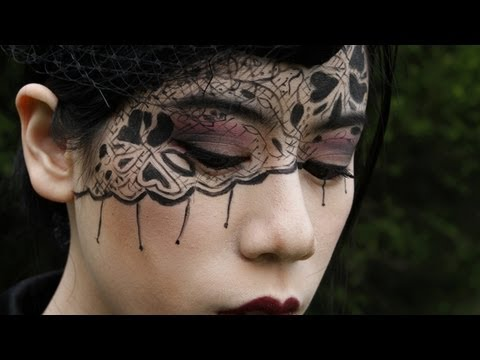 Black Lace Makeup Tutorial