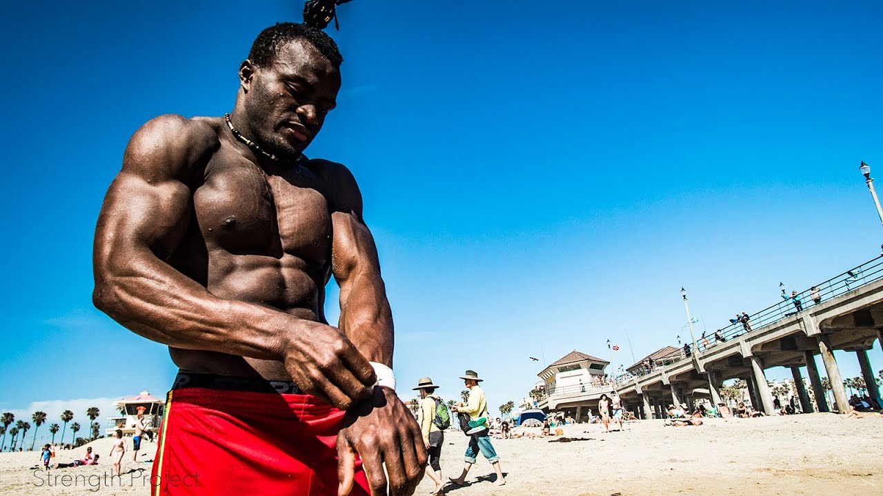 [This African Bodybuilder Defies Gravity] Video