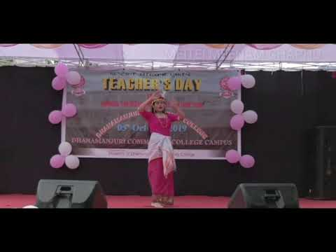 #A #Muslim #girl #student #performed #a #beautiful #dance.