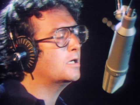 Randy Newman - Short People (Official Video)