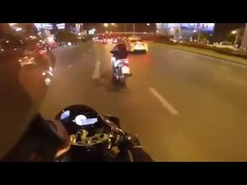 Detik2, ketika geng motor nantang race moge!!!seru..