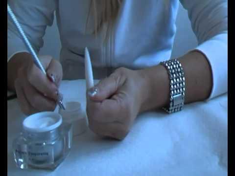 ACRYGEL (tecnica di ricostruzione unghie che utilizza acrilico + gel)