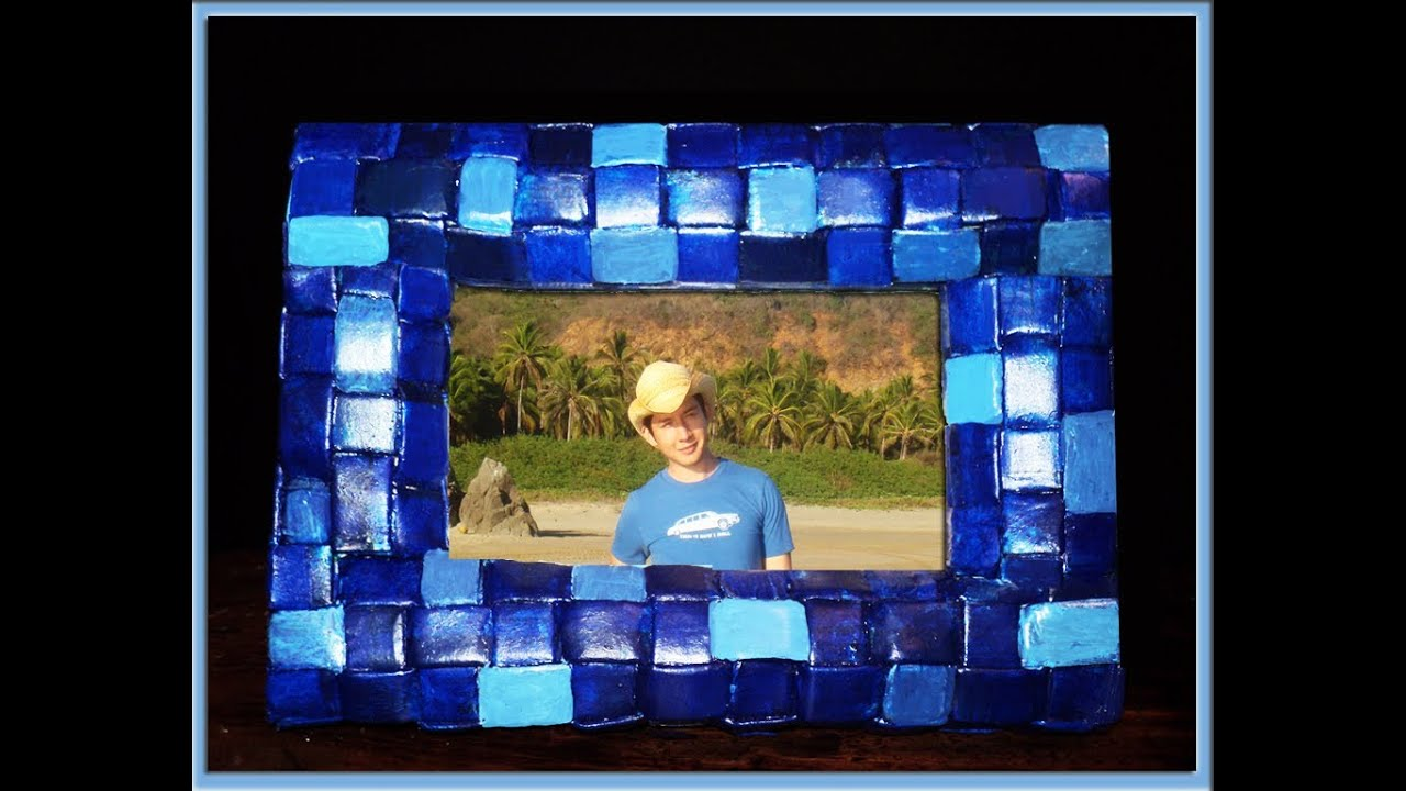 Manualidades marco decorativo de papel peri dico picture frame of newspaper youtube - Papel decorativo manualidades ...