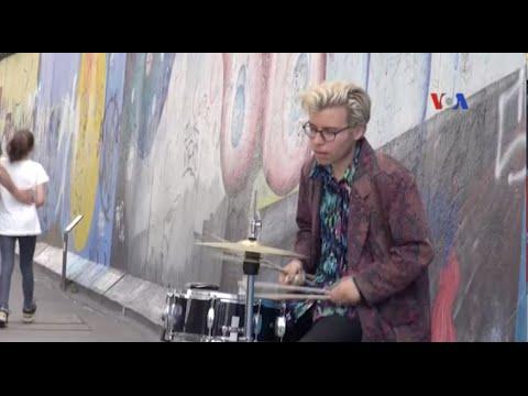 Brexit: Khoảnh khắc 'bức tường Berlin' của tuổi trẻ Châu Âu