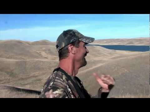 Tim Wells -- Long Shot -- Hunting Alberta Mule Deer with Trophy Hunters Alberta