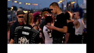Watch Heiter Bis Wolkig 10 Kleine Nazischweine video