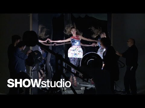 SHOWstudio: Behind the scenes on Nick Knight s shoot with Karlie Kloss for Topshop, uncut!