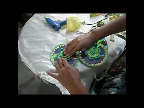 Cartera de lujo tejida a crochet de CDs y bolsas recicladas (parte 1)