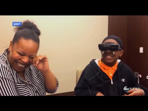 Download Lagu Blind Boy Sees Mom for First Time MP3 Free