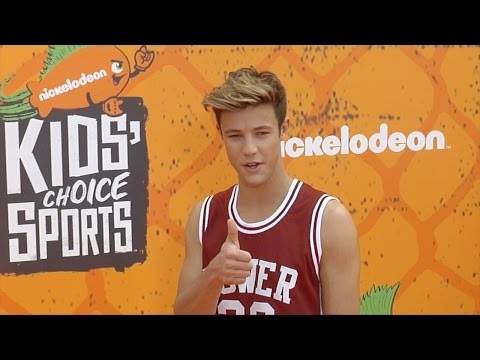 Cameron Dallas Kids' Choice Sports 2016 Orange Carpet