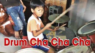 Bé 6 tuổi đánh trống cho Hoai Linh hat cực chất