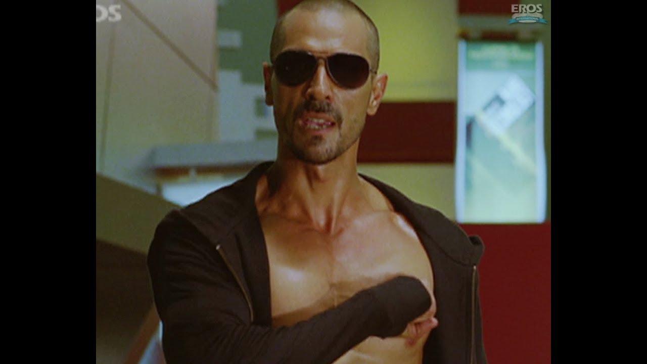 Shahrukh & Arjun's climax battle - RA.One - YouTube