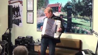 Pierre Eriksson spelar Lady Be Good, World Accordion Day på Karlssons Musik