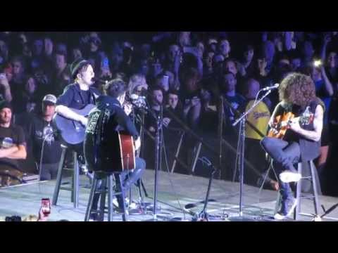 Fall Out Boy - Chicago Is So Two Years Ago Live