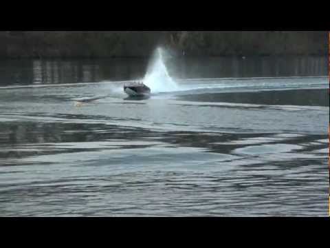 Apache 84 Twin Inline Engines Huge Model IC RC Power Boat