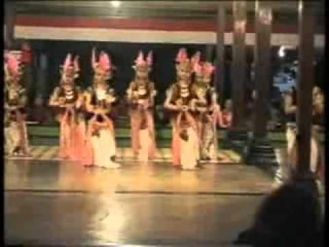Tari Golek Sulung Dayung-ndalem Pujakusuman video