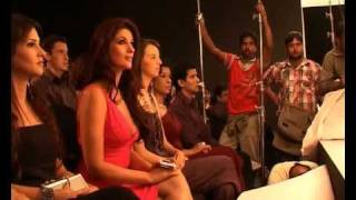 Twinkle Khanna in Making of Micromax Q55 Bling Commercial