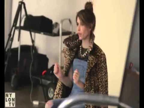► Emma Roberts | Madison Montgomery || Work Bitch