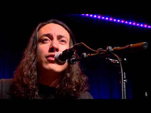 Noah Gundersen - Show Me The Light