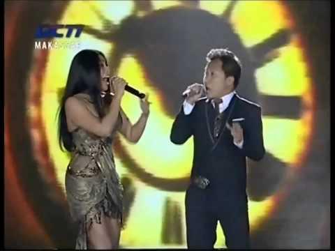 Download Lagu Anggun feat Sandhy Sondoro - Mantra - Kemilau Mandiri Fiesta 20121222 Makassar MP3 Free