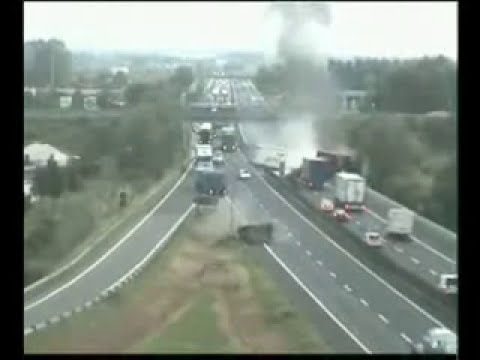 Accidente brutal en autopista.