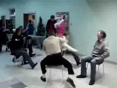 Прикол - чуваши танцуют, сидя на стульях )))