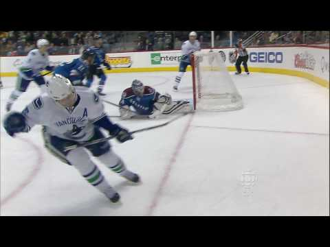 Henrik Sedin First Career Hattrick - Canucks at Avalanche - 11.14.09 - HD Video