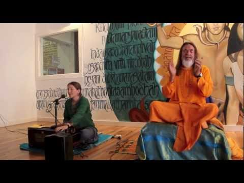 Kirtan Chanting Meditation with Swami Govindananda and Carmen