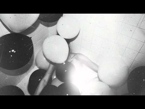 The Weeknd - House Of Balloons / Glass Table Girls