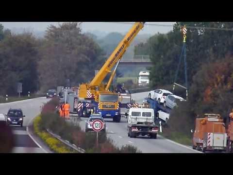 Auto Transport Racing on Lkw Unfall Auf Der A21   Autotransporter Mit Neuwagen Verungl  Ckt