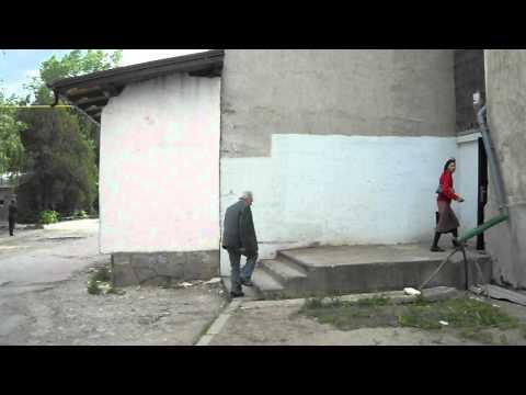 Operator de interviuri luat la pumni la Soroca