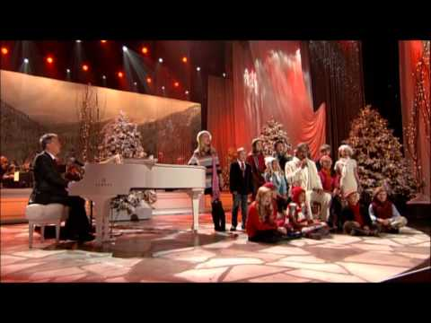 Santa Claus is Coming to Town – Andrea Bocelli, David Foster, Children's Choir