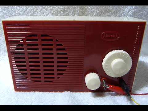 1960 Aurora 3 transistor radio kit in action (made in USA)