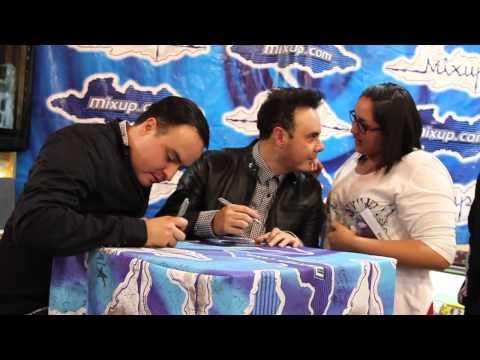 Río Roma en firma de autógrafos - Mixup Plaza Universdad