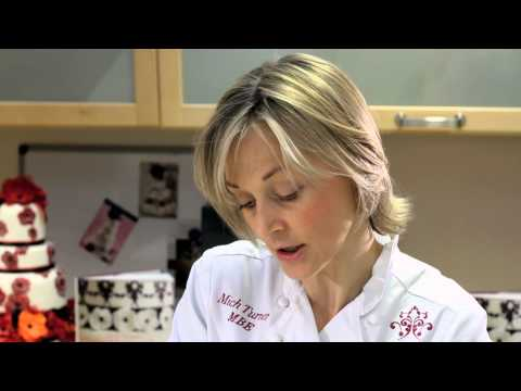 Mich Turner's Cake Masterclass part 1: Sugar paste rose