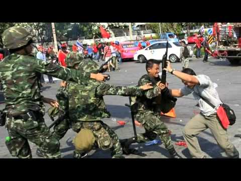 Gunmen Open Fire in Thailand Protest   1st Feb 2014 MUST SEE