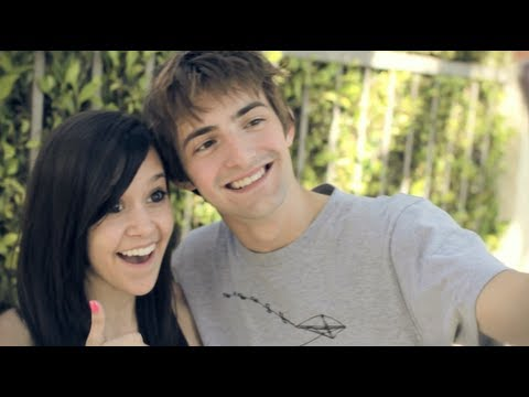 Payphone - Maroon 5 (cover) Megan Nicole And Dave Days video