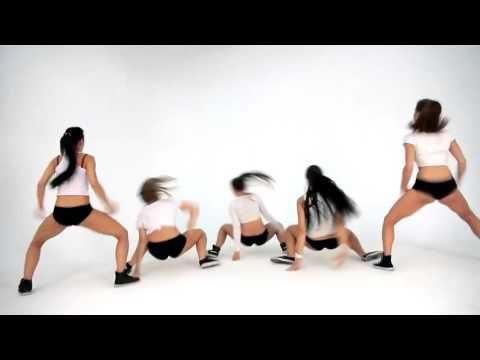 Танец ягодиц танцуют красивые и очень эротичные девушки девушки
