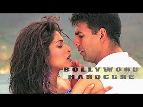 Aitraaz | Priyanka Chopra And Akshay Kumar Hot Scene In The Movie ! video