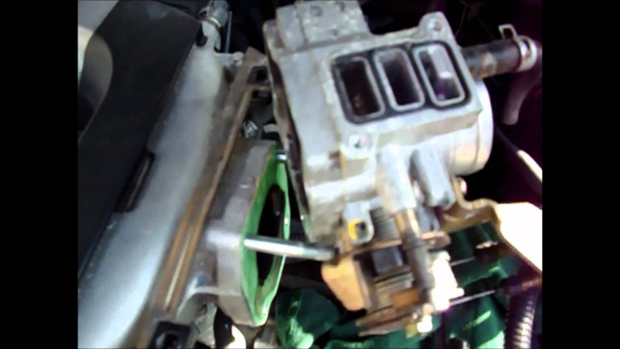 Cleaning A 2000 Honda Accord Dirty Idle Air Control Valve
