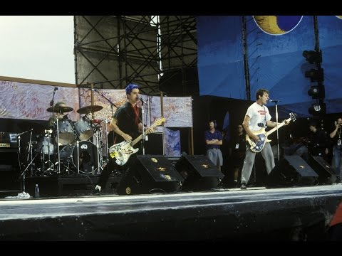 Green Day - Full Concert (live From Woodstock '94) video