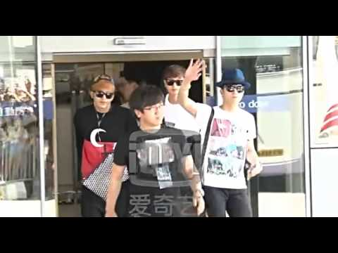 """[NEWS VID] 140829 iQiYi - JYP Nation's arrival in Hong Kong for """"ONE MIC"""" concert (2AM & 2PM, -NK)"""