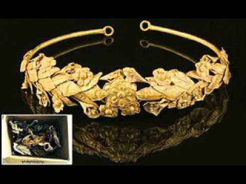 Británico descubre bajo su cama una corona de oro de la Antigua Grecia valorada en 200,000 $ (foto)